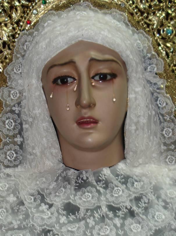Santísima Virgen de la Soledad de luto.
